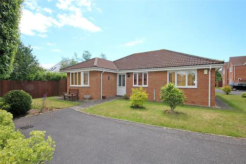 3 bedroom bungalow for sale - Kirby Way, Southbourne, Bournemouth, Dorset, BH6