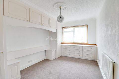 1 bedroom flat for sale - Half Moon Crescent, Islington, N1