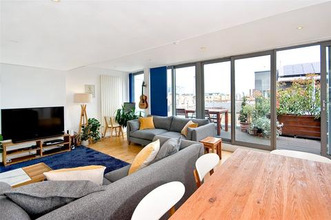 2 bedroom penthouse for sale - Gowers Walk, E1