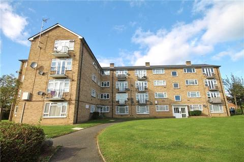 2 bedroom apartment for sale - Wellington Court, Clare Road, Staines-upon-Thames, Surrey, TW19