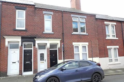 3 bedroom flat for sale - Garrick Street, Chichester, South Shields, Tyne and Wear, NE33 4JT