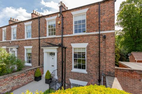 3 bedroom terraced house for sale - Coniscliffe Road, Darlington, DL3