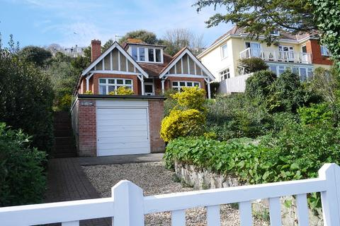 3 bedroom detached bungalow to rent - Castle Road, Ventnor, Isle Of Wight. PO38 1LG