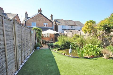 3 bedroom semi-detached house for sale - Walton Street, Walton On The Hill, Tadworth, Surrey. KT20