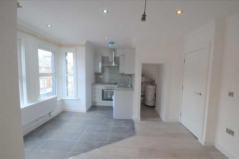 2 bedroom apartment to rent - High Street North, East Ham