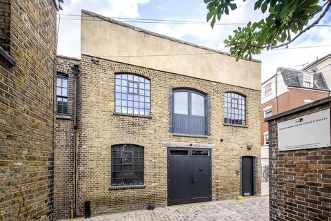 2 bedroom end of terrace house to rent - Peary Place, London, E2