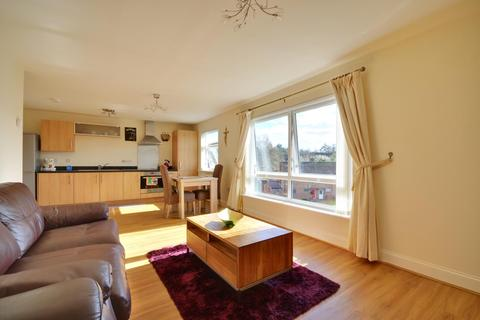 2 bedroom apartment to rent - Tedder Close, Uxbridge, Middlesex UB10 0FH