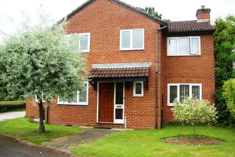 6 bedroom detached house to rent - Harvington Drive,Solihull, B90 4YN