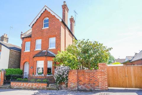 5 bedroom detached house to rent - Cookham