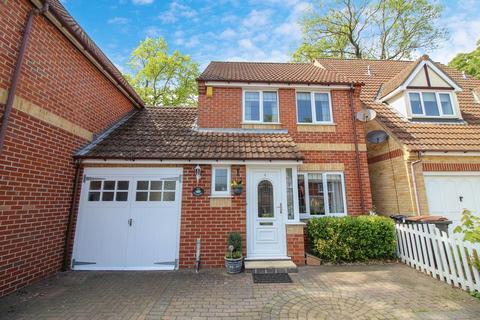 3 bedroom link detached house for sale - Aismunderby Close, Ripon