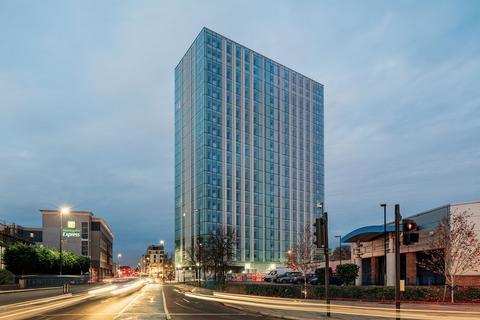 2 bedroom apartment to rent - Britannia Point, SW19