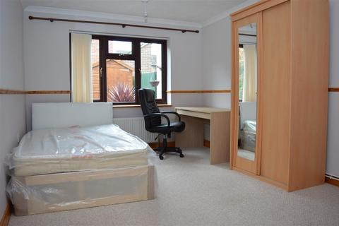 4 bedroom terraced house for sale - Harry Barber Close, Norwich, Norfolk, NR5 9DY