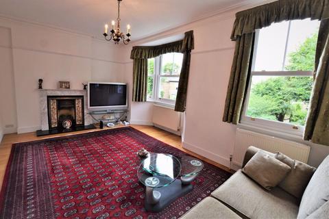 2 bedroom maisonette to rent - Essex Road, Enfield