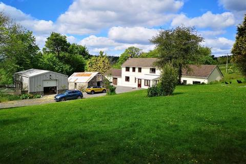 4 bedroom property with land for sale - Rhydargaeau Road, Carmarthen
