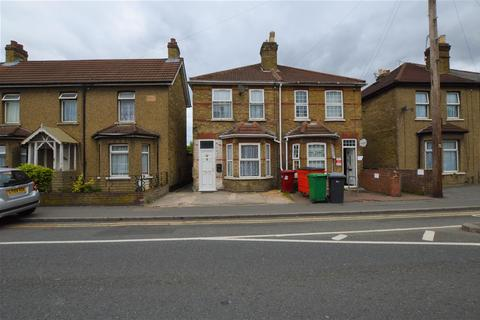 4 bedroom house to rent - Chalvey Road East, Slough