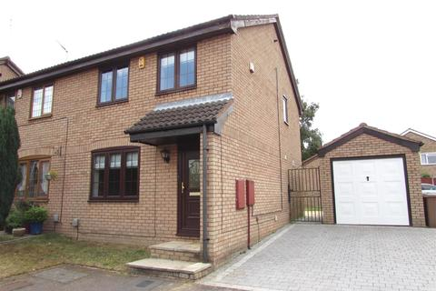 3 bedroom property to rent - Tilgate, Luton