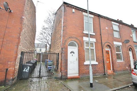 2 bedroom terraced house to rent - Garden Street, Eccles