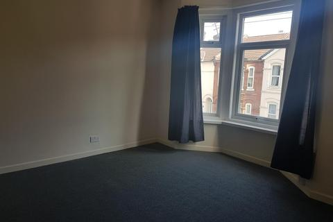 4 bedroom end of terrace house to rent - Livingstone Road, Southampton