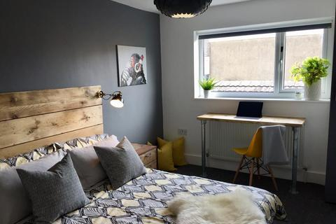 5 bedroom house share to rent - Humphrey Street, Swansea