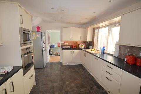 4 bedroom semi-detached house to rent - Castle Road, Prudhoe