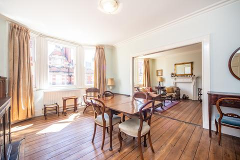 2 bedroom flat for sale - Clarence Gate Gardens, Glentworth Street, London, NW1