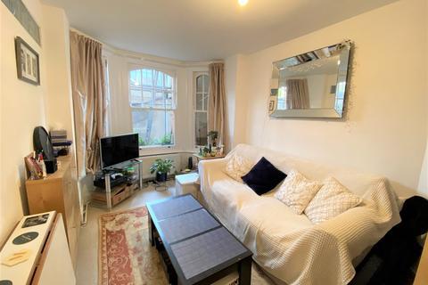 1 bedroom flat to rent - Musard Road, Barons Court, London