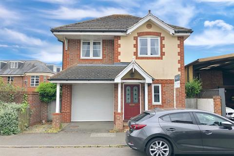 2 bedroom detached house for sale - Beaconsfield
