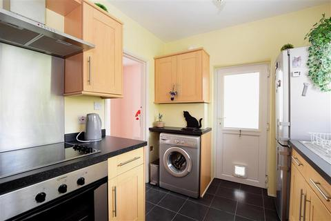 2 bedroom terraced house for sale - Morecambe Road, Brighton, East Sussex