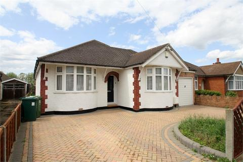 4 bedroom detached bungalow for sale - Homestead Road, STAINES-UPON-THAMES, Surrey