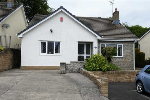 2 bedroom bungalow for sale - Millrace Close, Lisvane, Cardiff