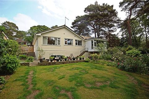 3 bedroom detached bungalow for sale - Lower Parkstone, Poole, Dorset, BH14