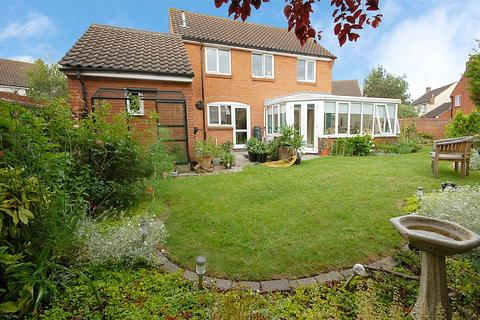 3 bedroom detached house for sale - Westmarch, South Woodham Ferrers, Essex, CM3
