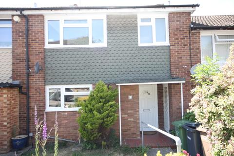 3 bedroom terraced house to rent - Fermor Crescent, Luton