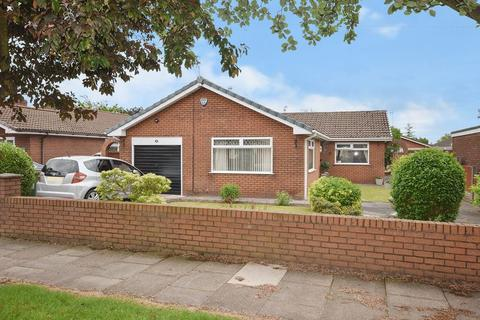 3 bedroom detached bungalow for sale - Gleneagles Drive, Farnworth