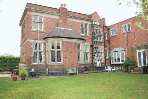 2 bedroom apartment to rent - Stockwell Road, Tettenhall, Wolverhampton