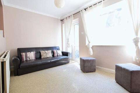3 bedroom terraced house to rent - Thorndean Road, Brighton