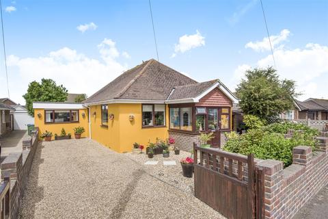 3 bedroom detached bungalow for sale - Cissbury Avenue, Peacehaven