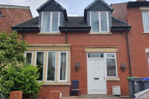 2 bedroom house to rent - Pine Avenue, Blackpool, Lancashire