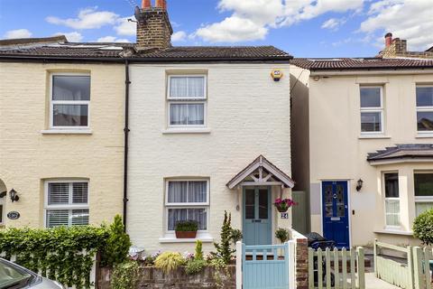 2 bedroom end of terrace house for sale - Church Lane, Teddington