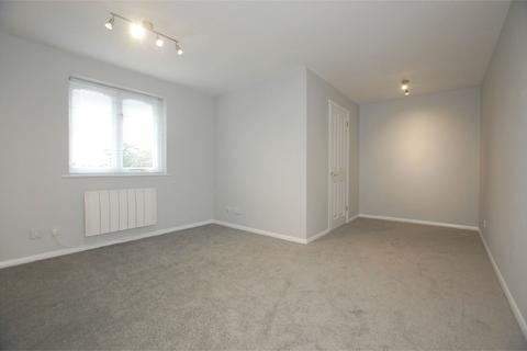 1 bedroom flat to rent - Armoury Road, London, SE8