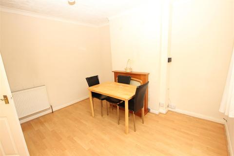 3 bedroom house to rent - Eaton Green Road, Luton