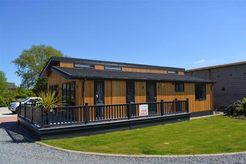 2 bedroom detached bungalow for sale - Cliffe Country Lodges, Cliffe, Cliffe Common, YO8