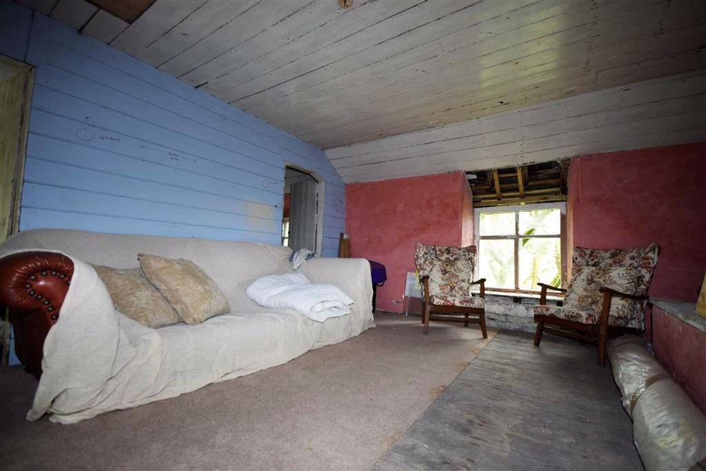 Landing Bedroom 1