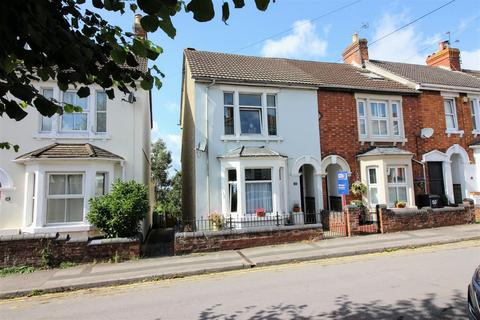 3 bedroom end of terrace house for sale - Ashford Road, Old Town, Swindon, SN1