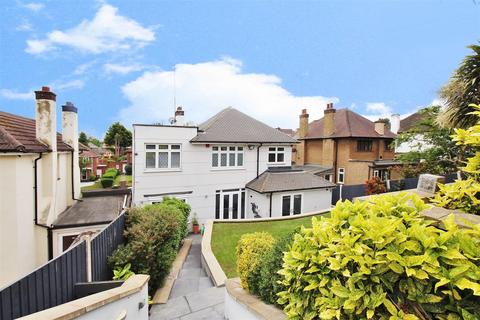 4 bedroom detached house for sale - Avenue Road, Erith