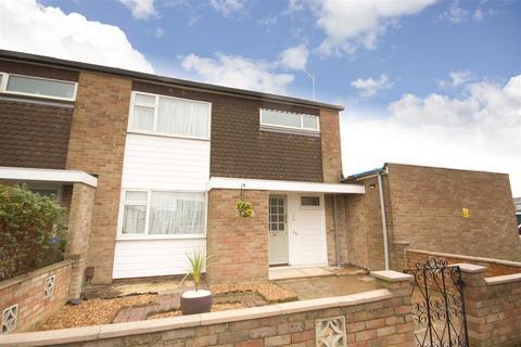 3 bedroom semi-detached house to rent - Somerville Way, Aylesbury