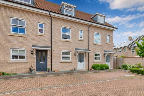 3 bedroom townhouse for sale - Browning Close, Royston