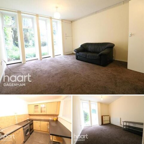 2 bedroom flat to rent - Bedwell Court, Chadwell Heath