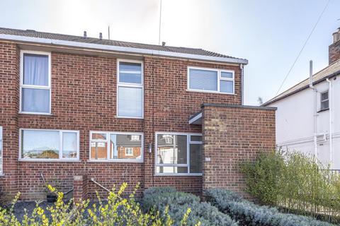 4 bedroom house to rent - Barkham Road, Wokingham, RG41
