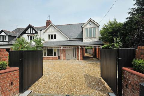 3 bedroom semi-detached house to rent - New Platt Lane, Goostrey, Cheshire